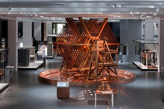 Colour photograph of the Rugby Tuning Coil apparatus in the middle of the Information Age gallery